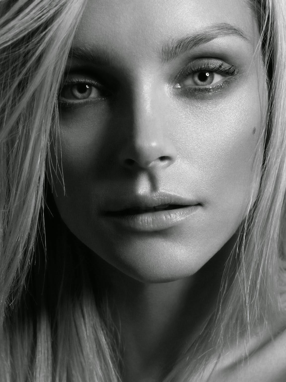 ДЖессика Стэм в рекламной фотосессии