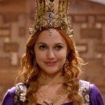 Самые красивые платья, короны и украшения Хюррем Султан