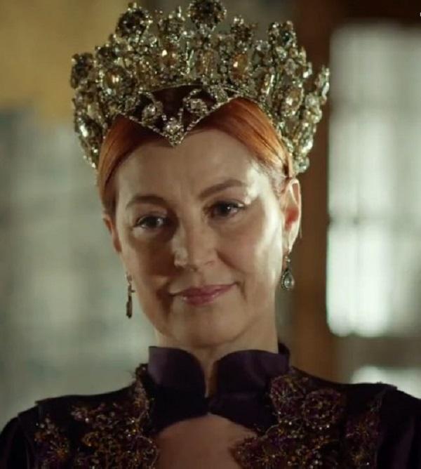 желтая корона хюррем султан, драгоценности и украшения великолепный век
