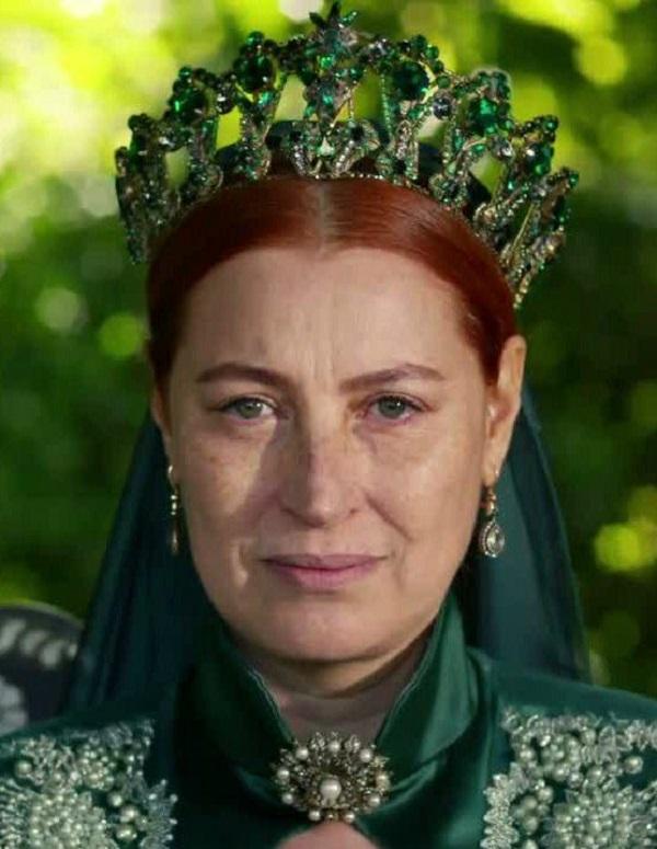 зеленая корона хюррем