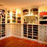 Гардеробная комната в квартире — удобно и практично