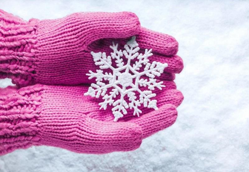 перчатки и варежки в подарок на новый год