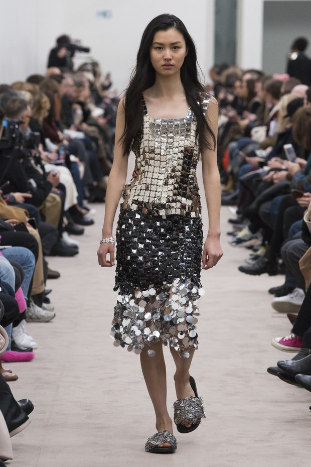 Платье для встречи Нового года 2019 - фото с модных подиумов
