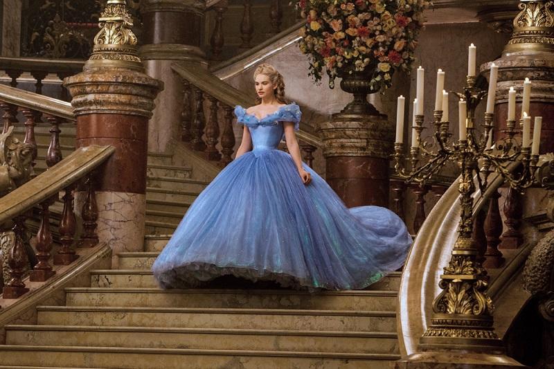 актриса лили джеймс в экранизации фильма золушка