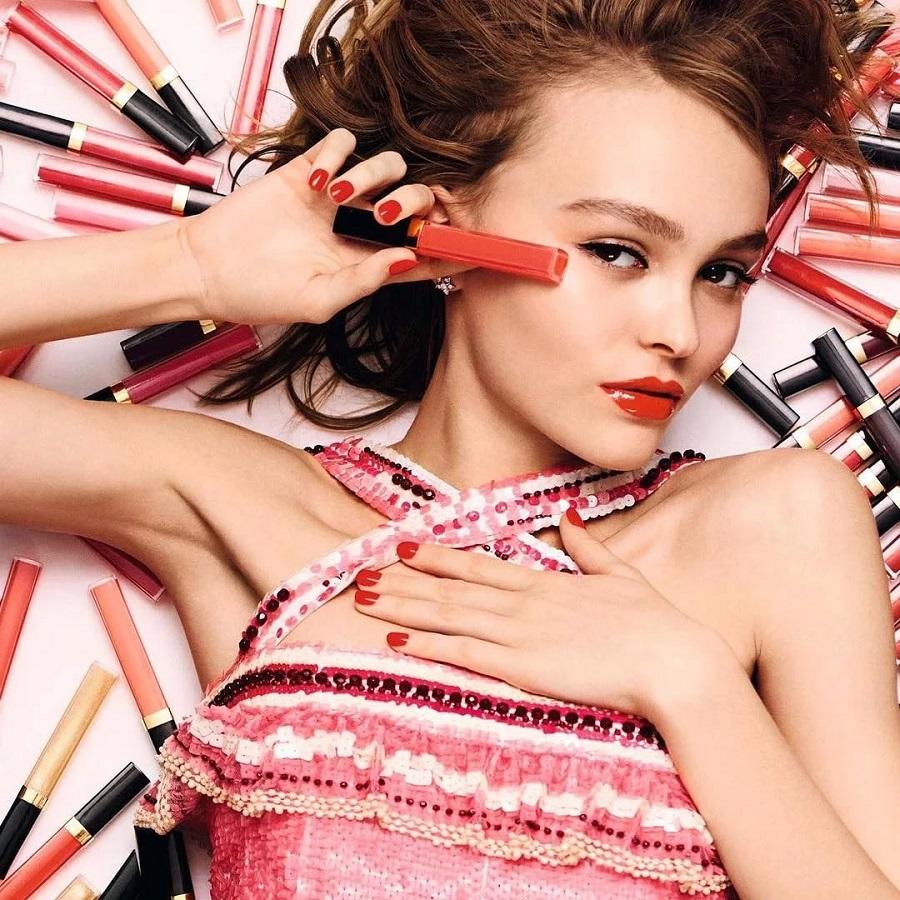 лили роуз депп в рекламе косметики шанель