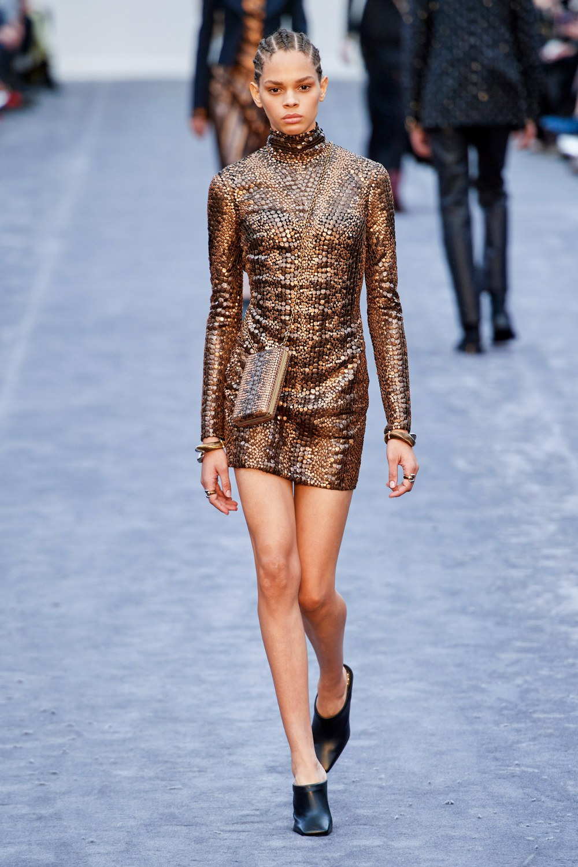обзор модной коллекции Roberto Cavalli осень-зима 2019-2020, короткое платье
