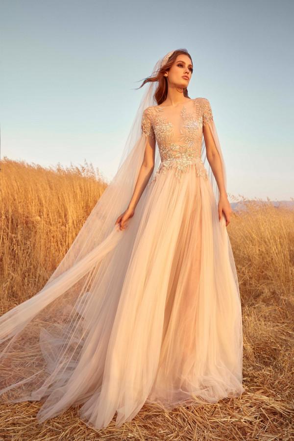 бежевое свадеюное платье - мода для невест 2020